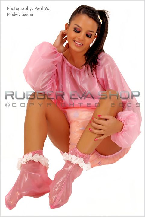 Frilly Plastic Booties & Mittens Set